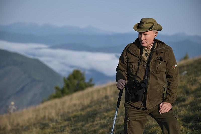 Владимир Путин во время отдыха в Республике Тыва