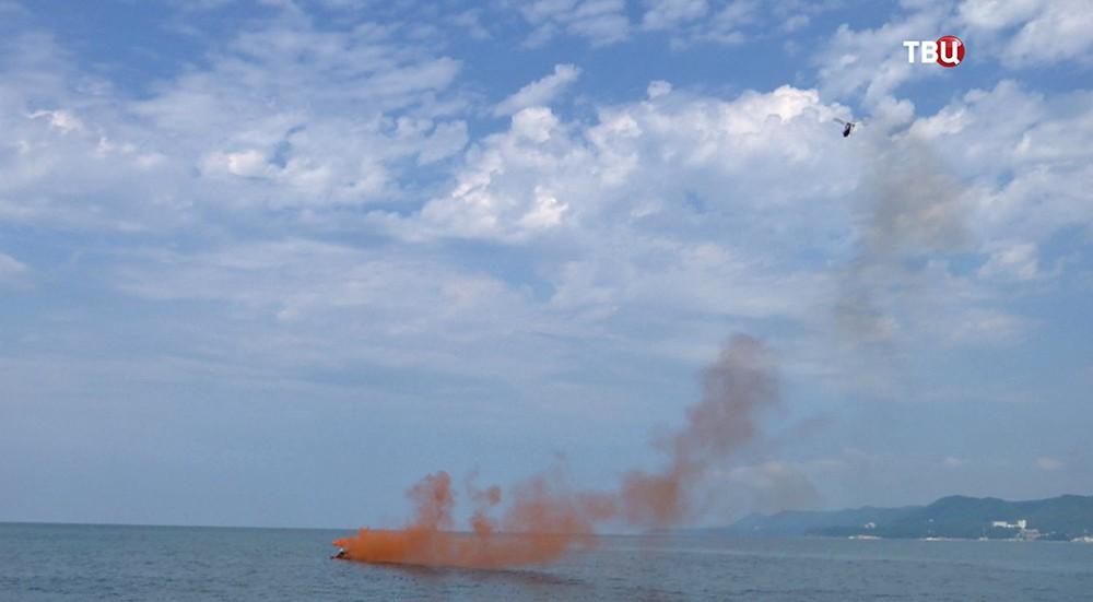 """Смотрите в 22:30 специальный репортаж """"Лётчики. Оранжевый дым"""""""