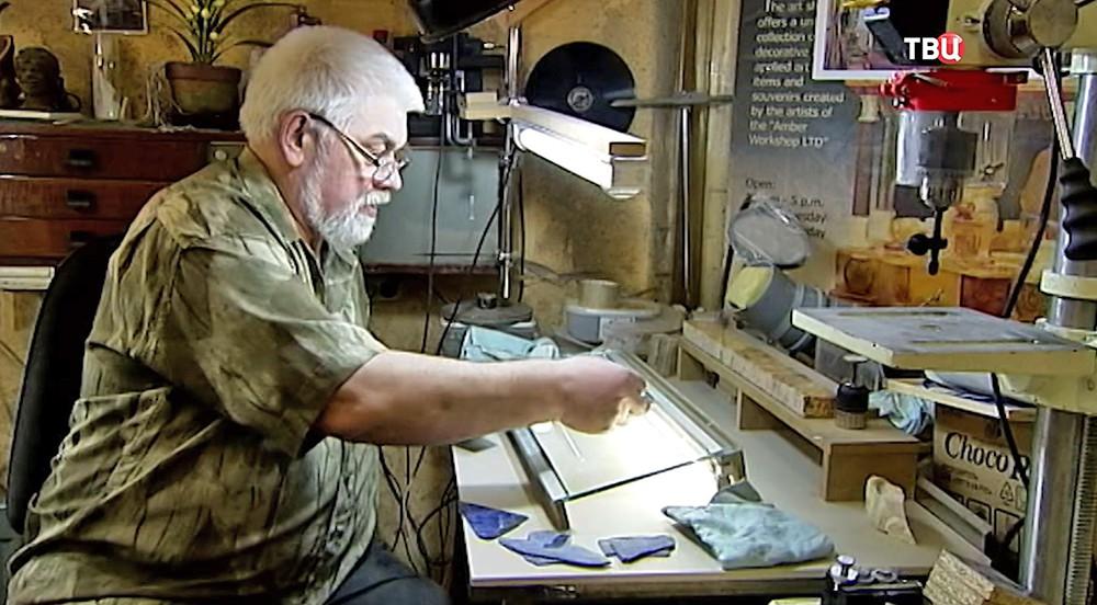 Реставраторы восстанавливают лионский зал