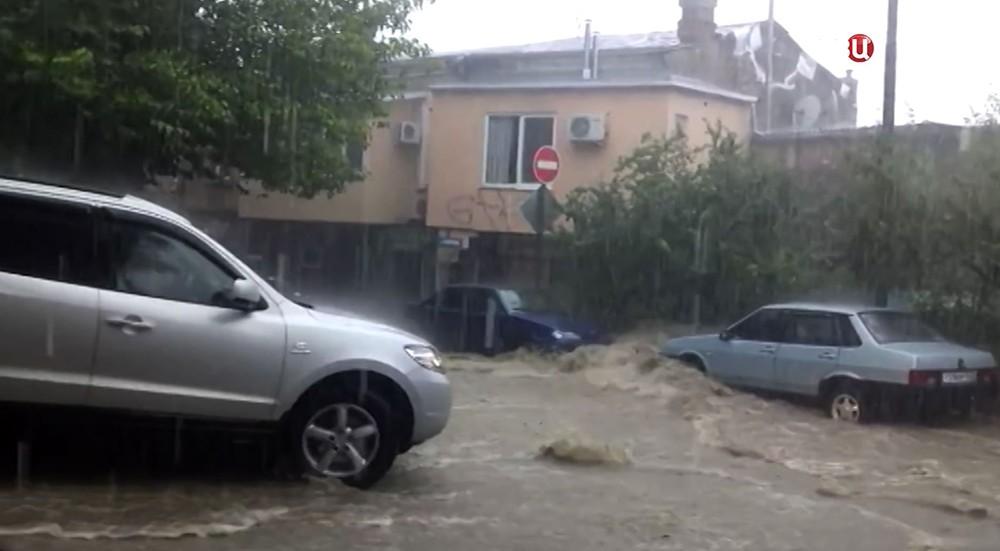 Мощный шторм в Крыму