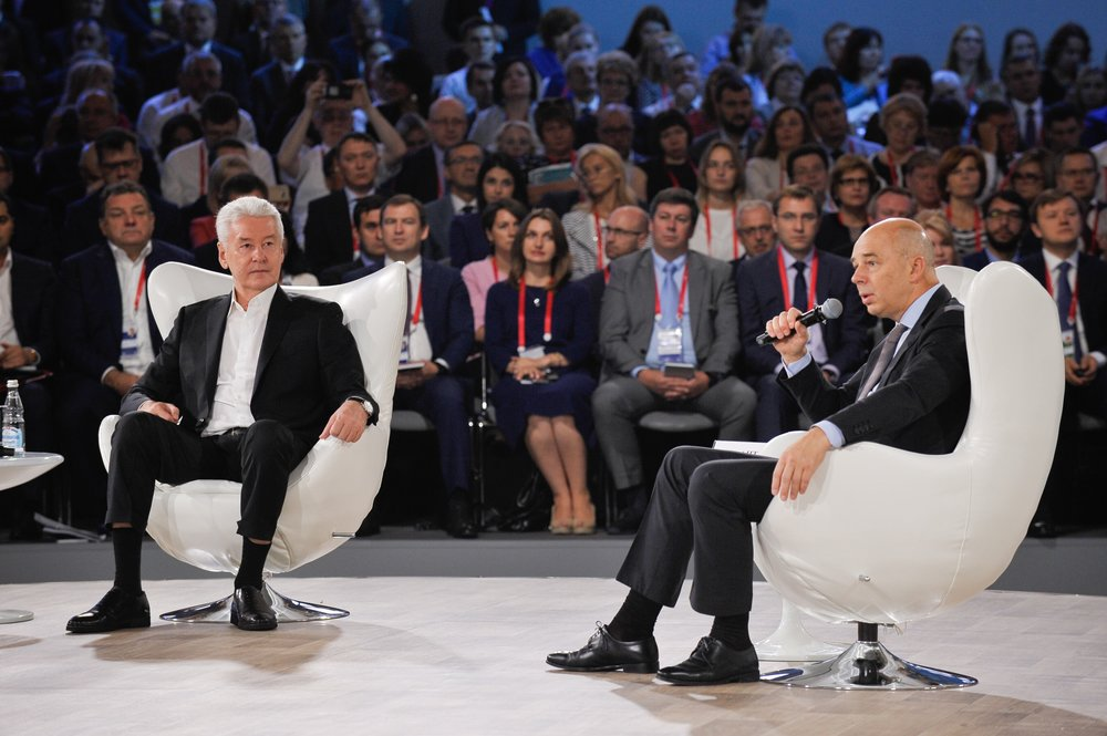 Сергей Собянин и первый заместитель председателя правительства РФ, министр финансов Антон Силуанов