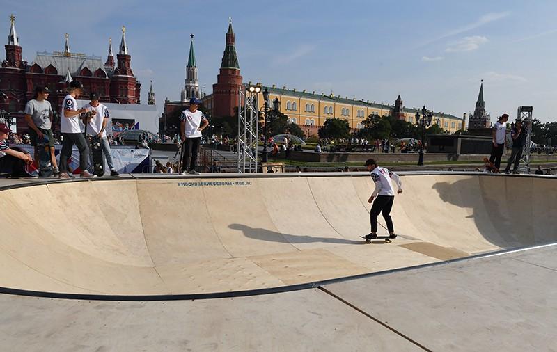 """Уличный фестиваль """"Добрая Москва 871"""" на Манежной площади"""