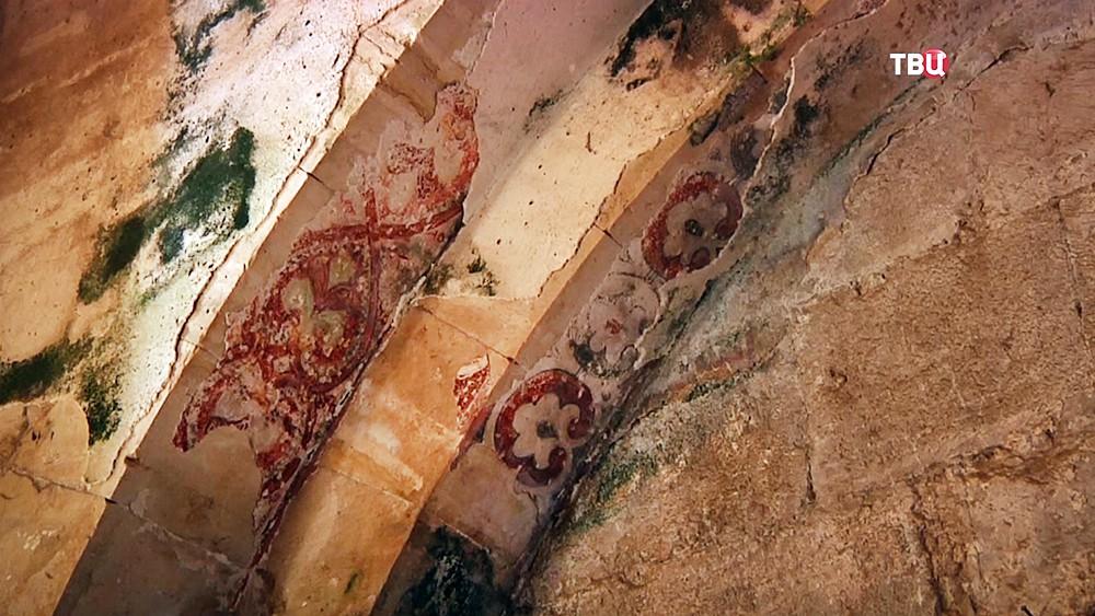 Фрагменты настенной росписи