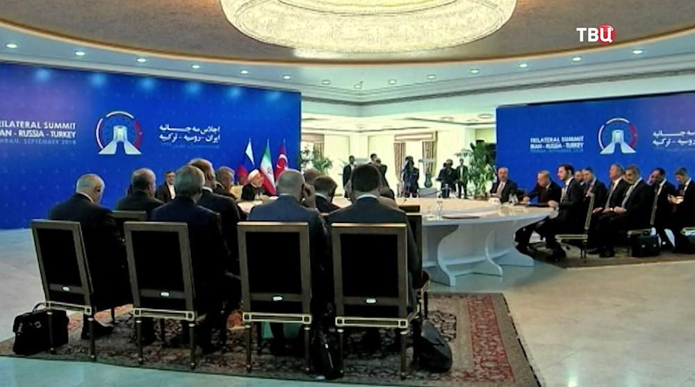 Саммит в Тегеране