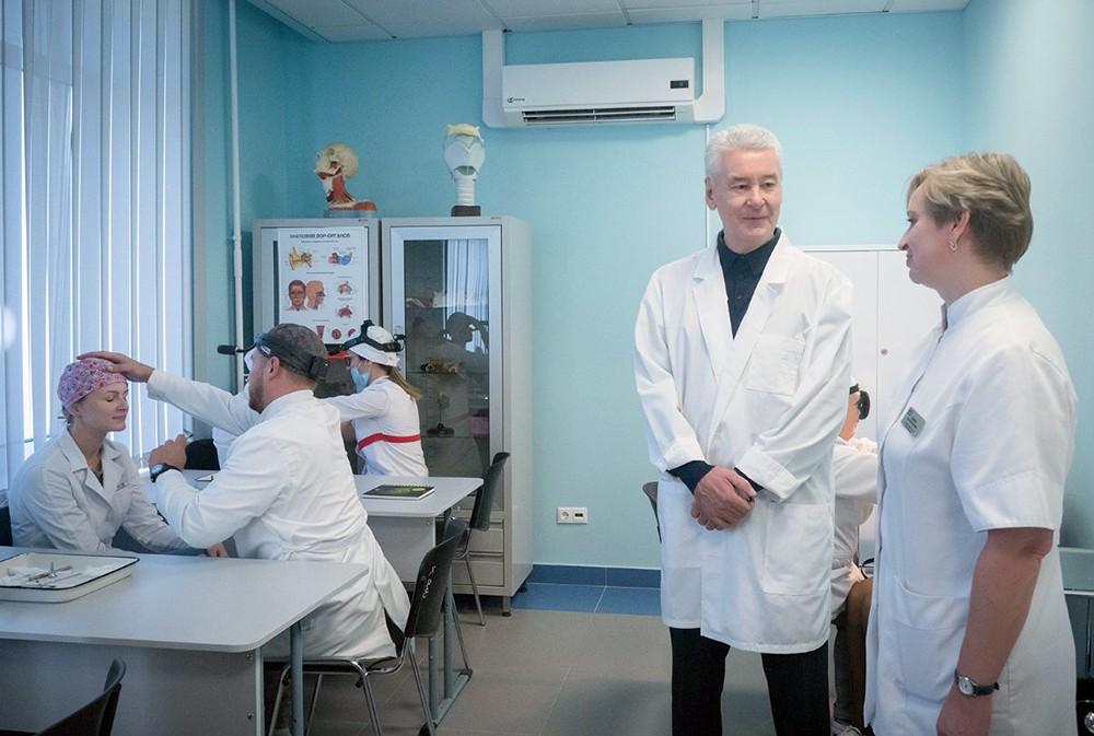 Сергей Собянин посетил институт имени Л.И.Свержевского