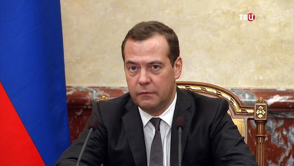 Дмитрий Медведе