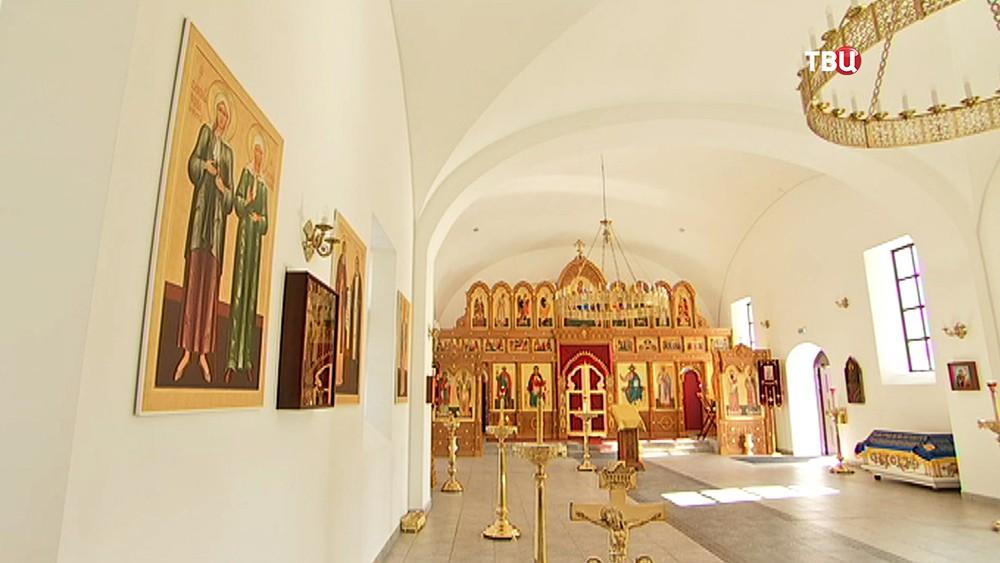 Иконостас в церкви