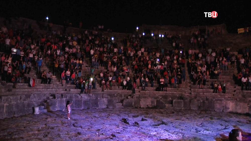 Римский амфитеатр в Сирии
