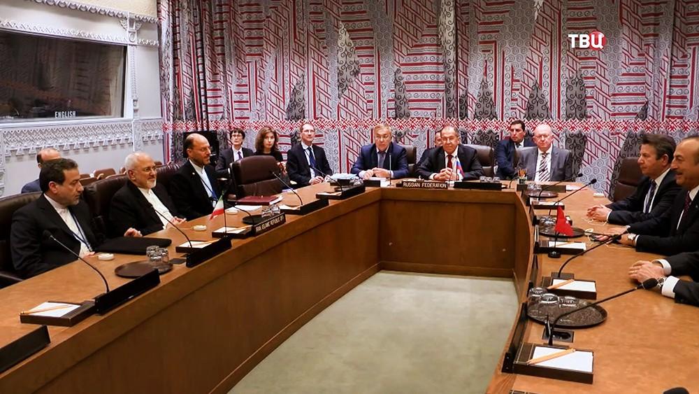 Главы МИД России, Турции и Ирана - Сергей Лавров, Мевлют Чавушоглу и Джавад Зариф