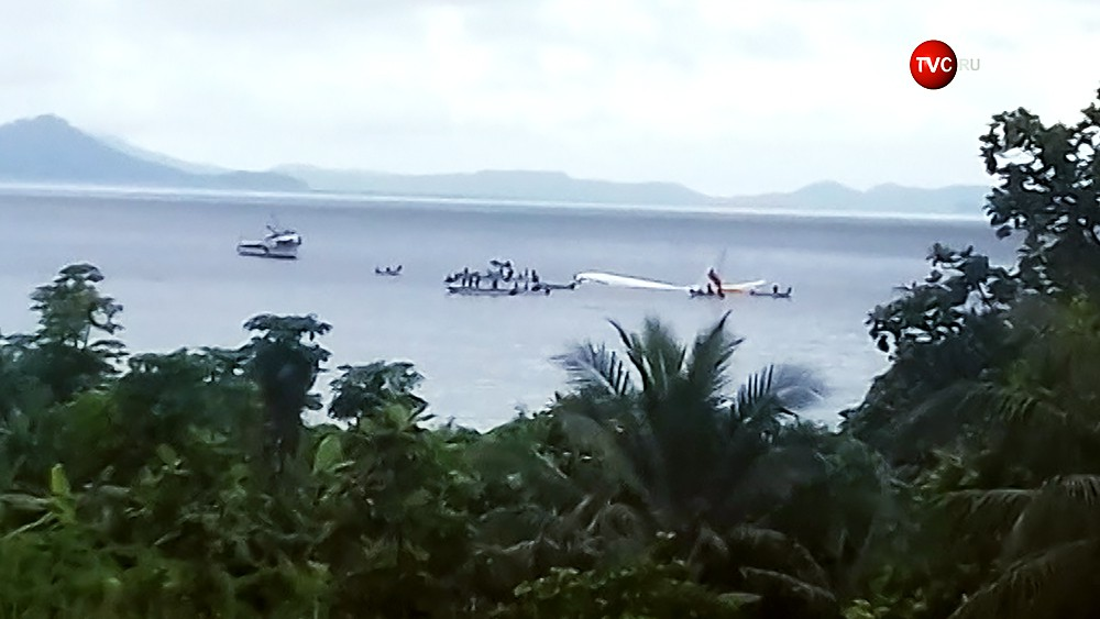 Самолет в Микронезии сел на воду