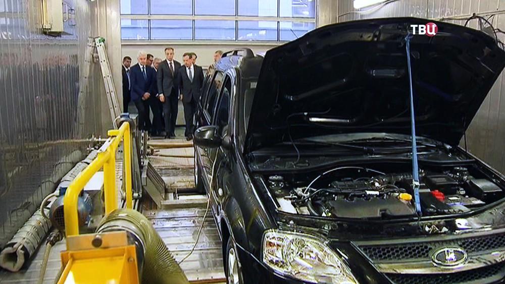 Сергей Собянин и Дмитрий Медведев посетили автомобильное предприятие