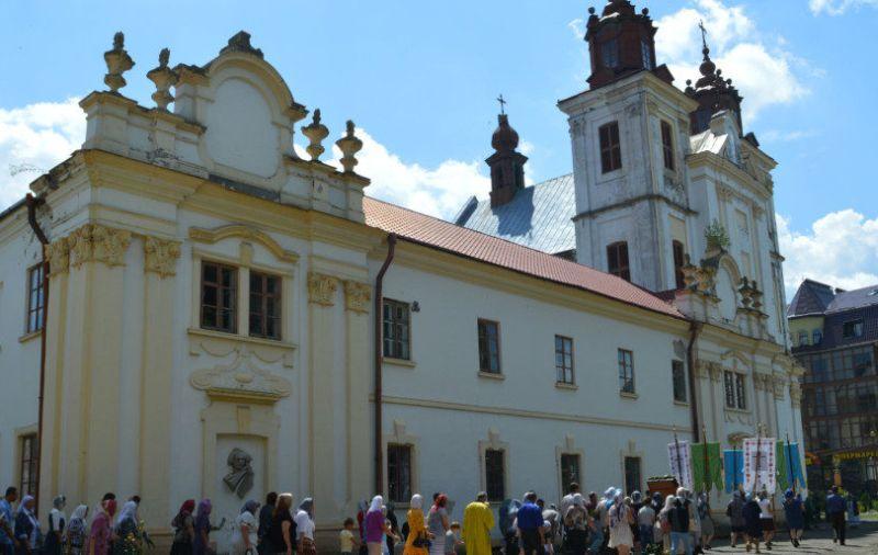Свято-Троицкий храм УПЦ в Ивано-Франковской области
