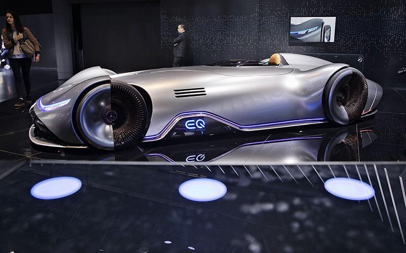 Парижский автосалон. Концепт EQ от Mercedes-Benz