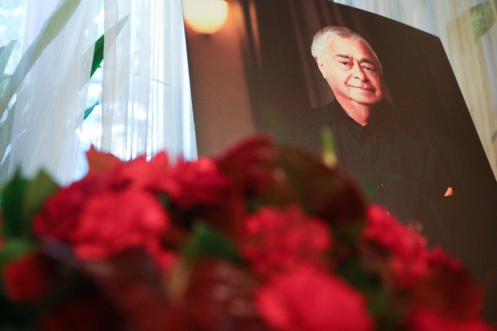 Церемония прощания с народным артистом России Романом Карцевым