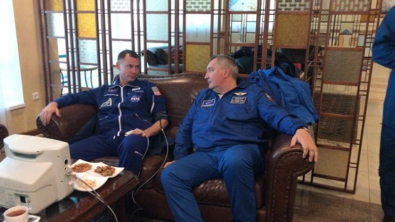 Астронавт Ник Хейг и глава Роскосмоса Дмитрий Рогозин