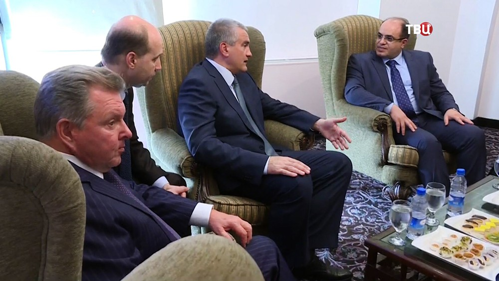 Глава Республики Крым Сергей Аксёнов и министр экономики и внешней торговли Сирии Мухаммед Самаре Аль-Халиль