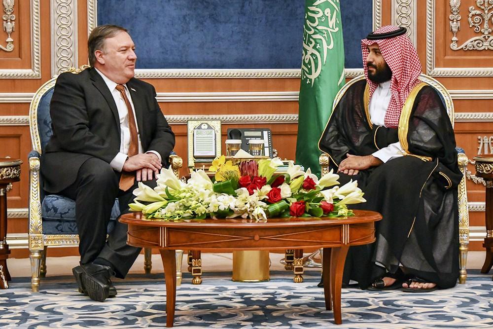 Госсекретарь США Майк Помпео и наследный принц Саудовской Аравии Мухаммед бен Салман