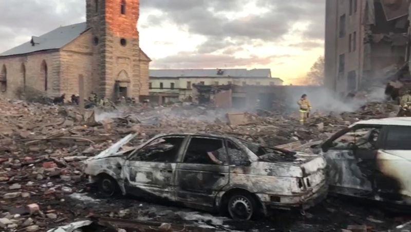 Последствия взрыва на заводе в Гатчине