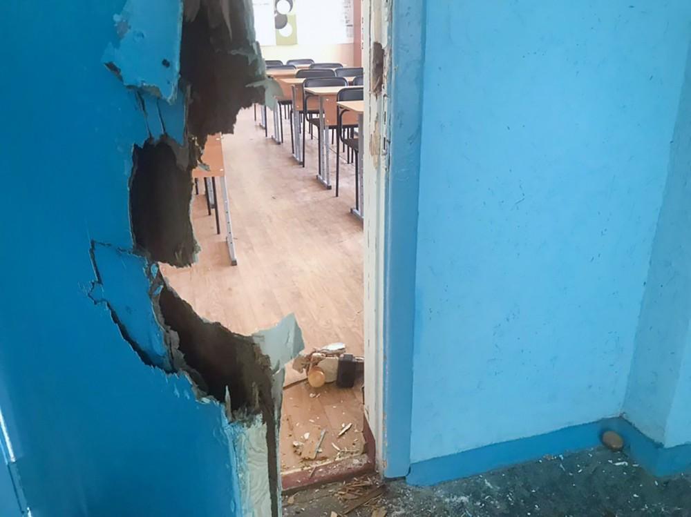 Следственные действия на месте взрыва в колледже в Керчи