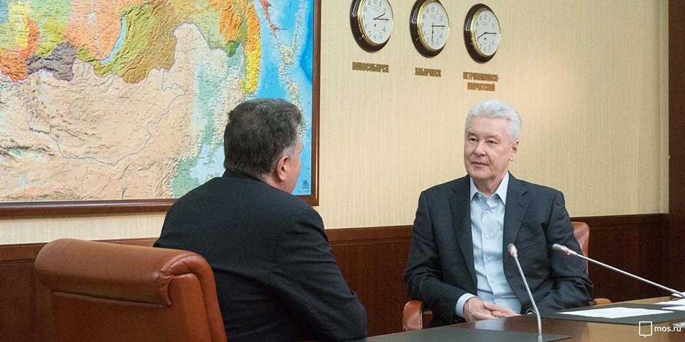 Сергей Собянин во время личного приема граждан