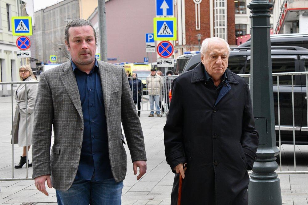Марк Захаров на церемонии прощания с Николаем Караченцовым