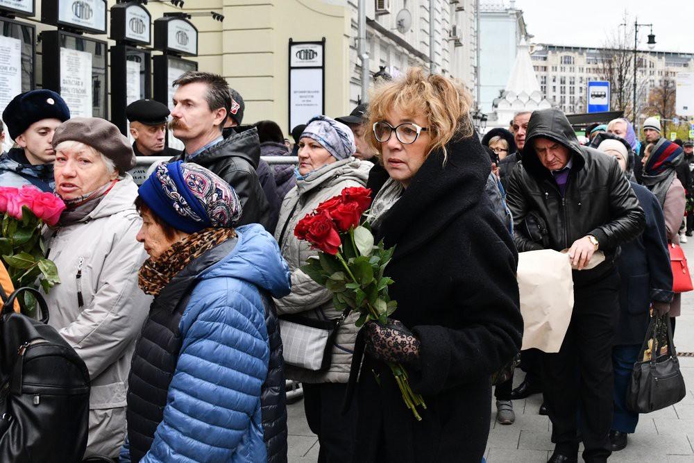 14 Актера Николая Караченцова проводили в последний путь