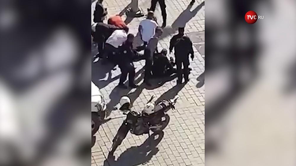 Полиция на месте взрыва в Тунисе