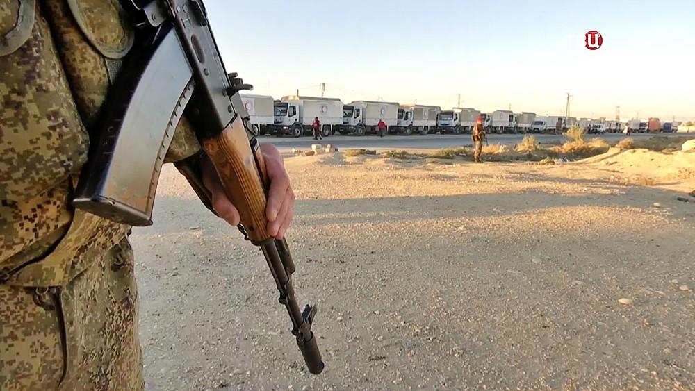 Военная полиция (MP) России охраняет конвой в Сирии