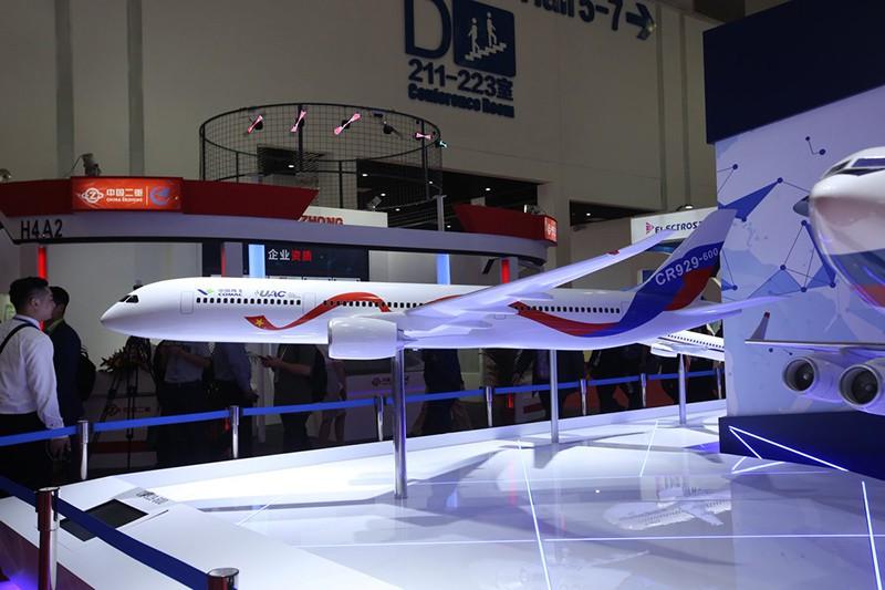 Макет самолета CR-929