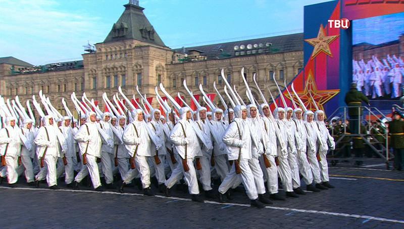 Торжественный марш, посвящённый 77-й годовщине Парада 7 ноября 1941 года