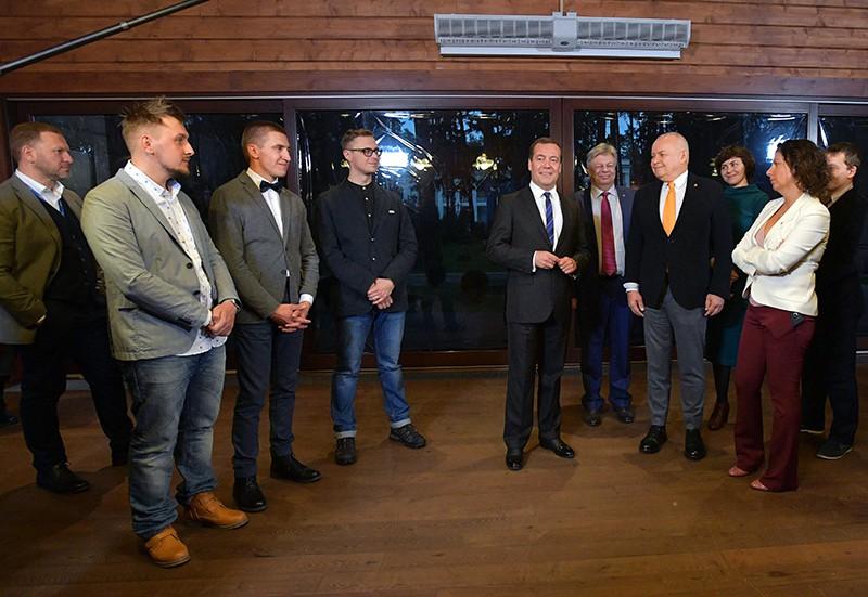 Дмитрий Медведев во время встречи с победителями IV Международного конкурса фотожурналистики имени Андрея Стенина