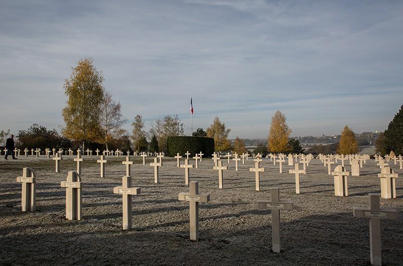 Мемориальная церемония на кладбище 1-й Мировой войны во Франции