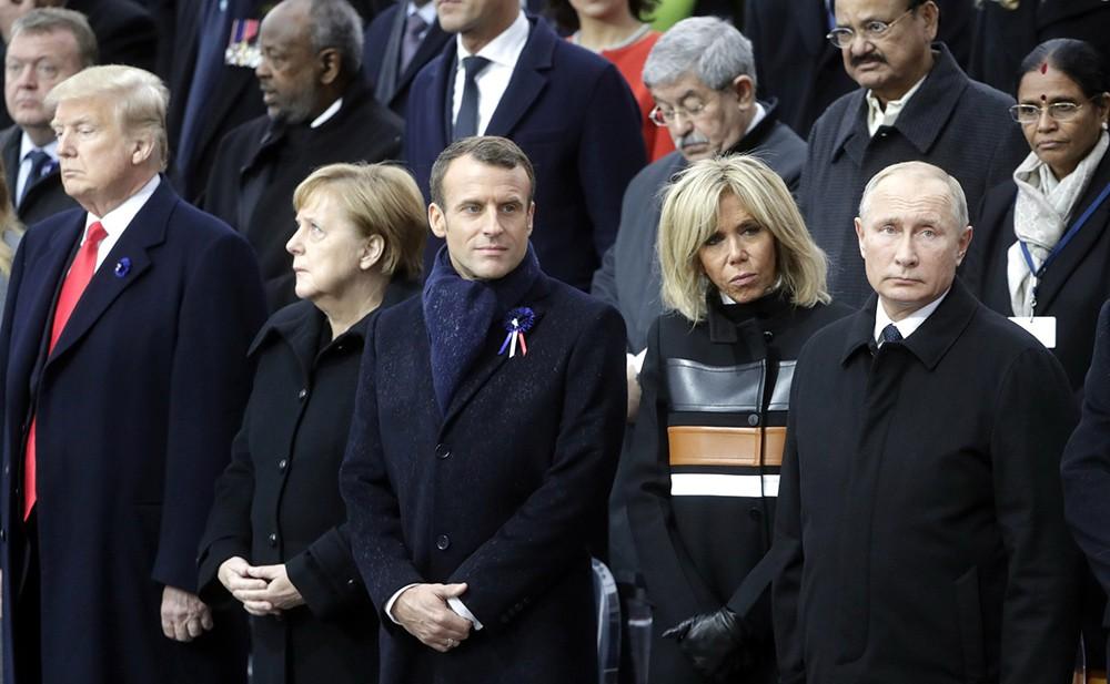 Президент США Дональд Трамп, канцлер ФРГ Ангела Меркель, президент Франции Эммануэль Макрон, супруга президента Франции Бриджит Макрон и президент России Владимир Путин