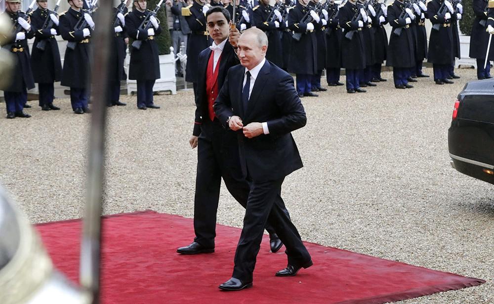 Владимир Путин с визитом во Франции