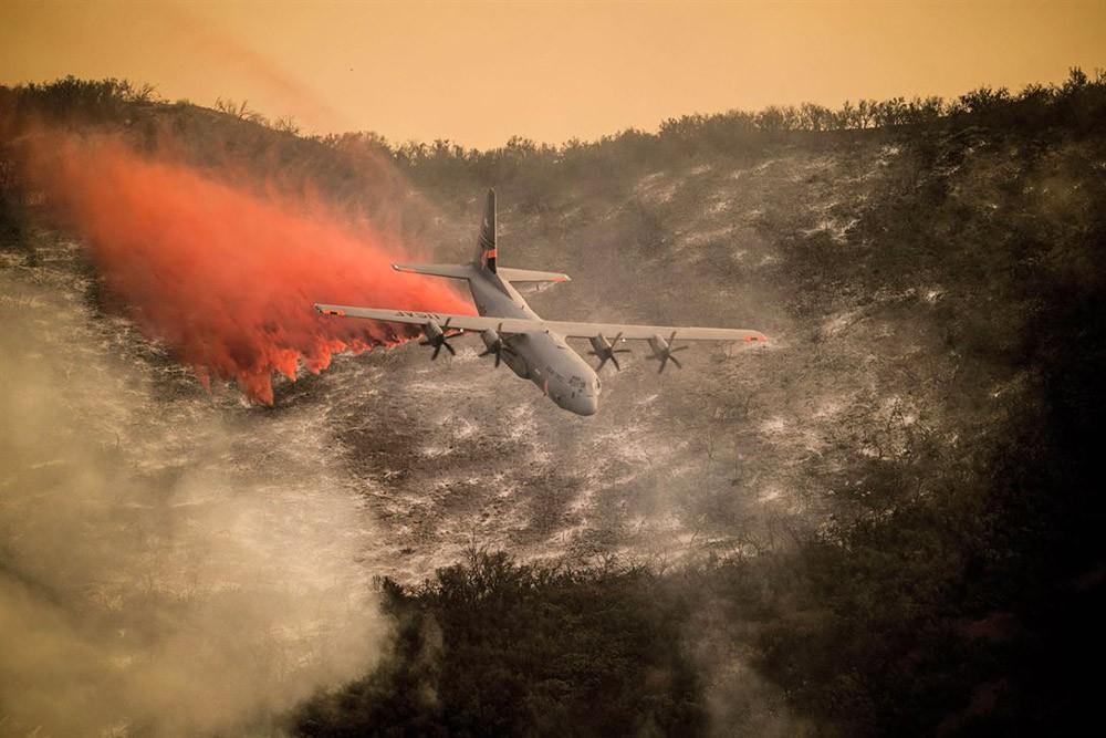 Тушение лесных пожаров в США