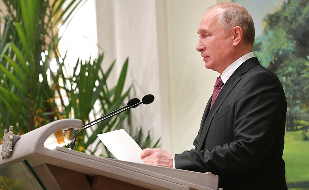 Владимир Путин с визитом в Сингапуре