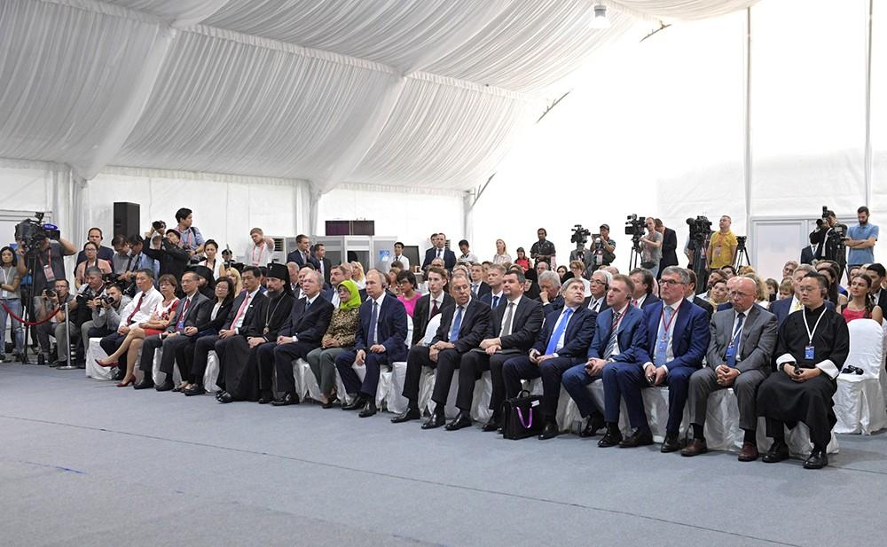 Церемония закладки первого камня в основание Российского культурного центра