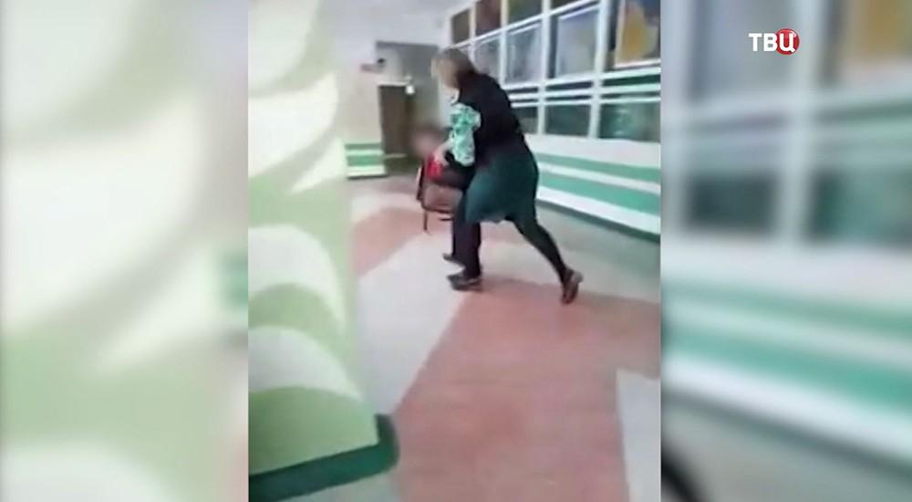 Учитель поднимает руку на школьника в Комсомольске-на-Амуре