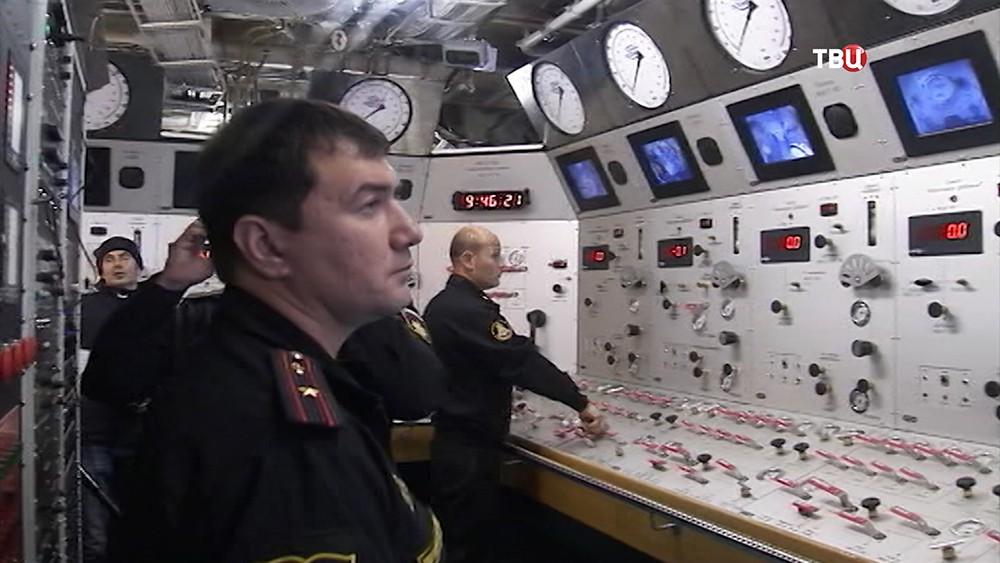 Учения моряков Тихоокеанского флота по глубине погружения