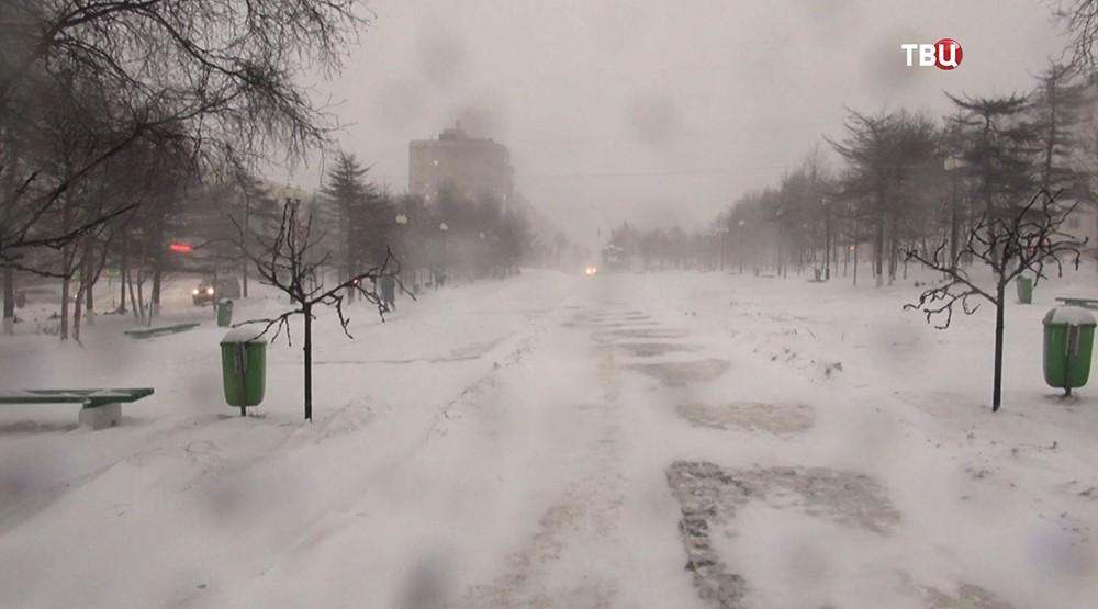 Мощный снегопад
