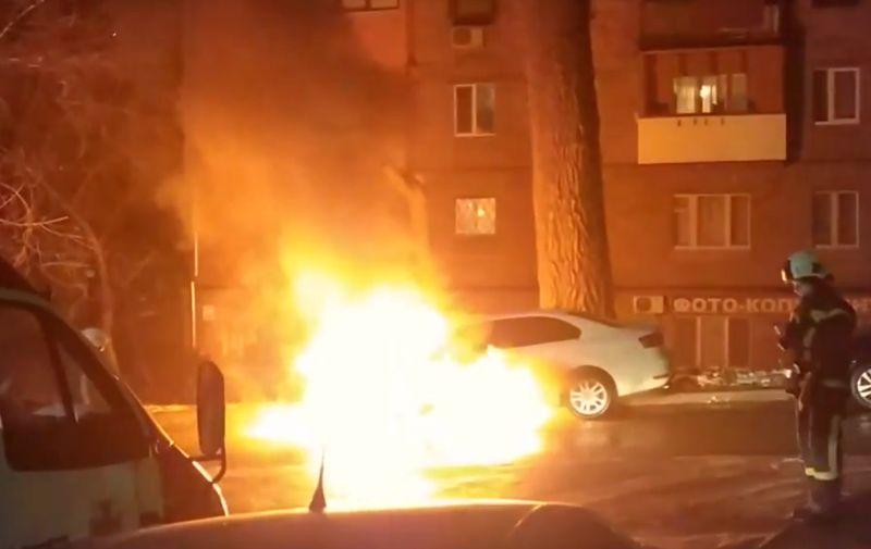 Сгоревший в Киеве автомобиль с российскими дипломатическими номерами