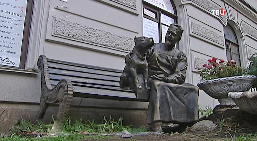 """Памятник героям """"Собачьего сердца"""""""