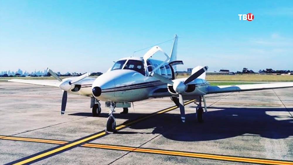 Легкий пассажирский самолет