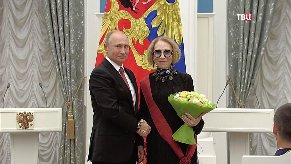 Владимир Путин во время вручения госнаград в Кремле