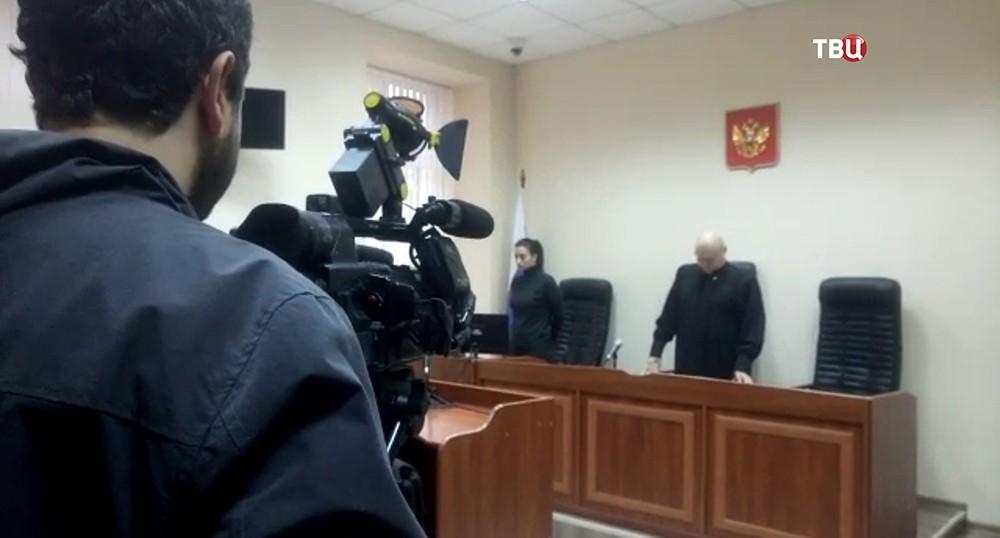 Видео из зала суда с украинскими моряками