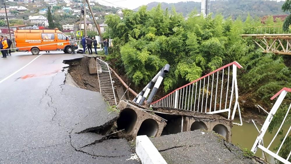 Обрушение моста в Краснодарском крае