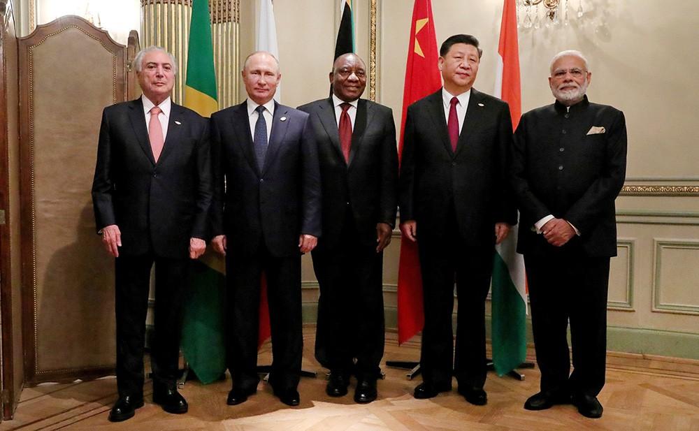 Участники встречи лидеров БРИКС