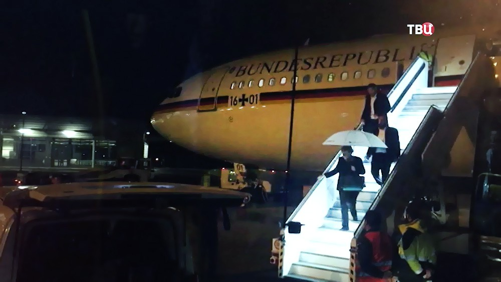 Самолет Ангелы Меркель экстренно сел