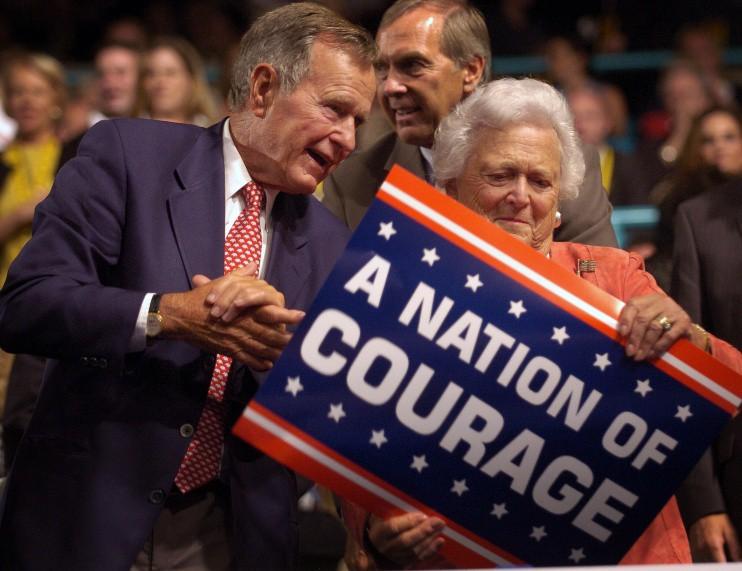 Джордж Буш-старший с женой Барбарой Буш