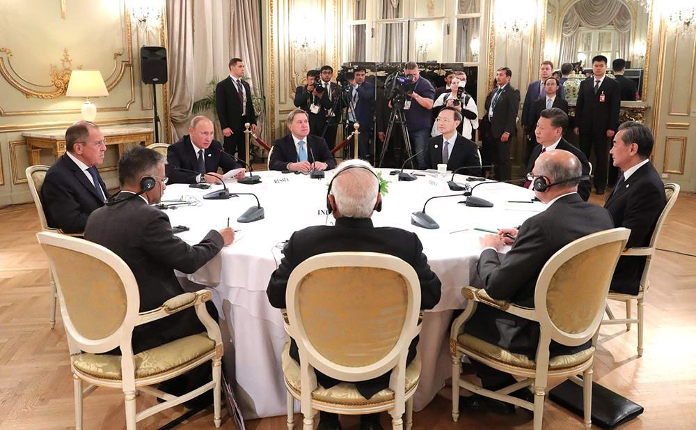 """Встреча в формате """"Россия-Индия-Китай"""""""